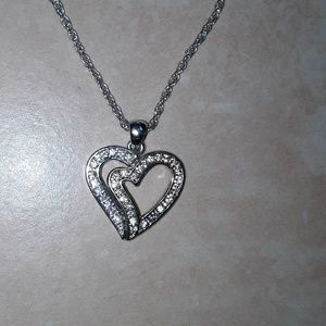 Jewelry - Beautiful double heart necklace